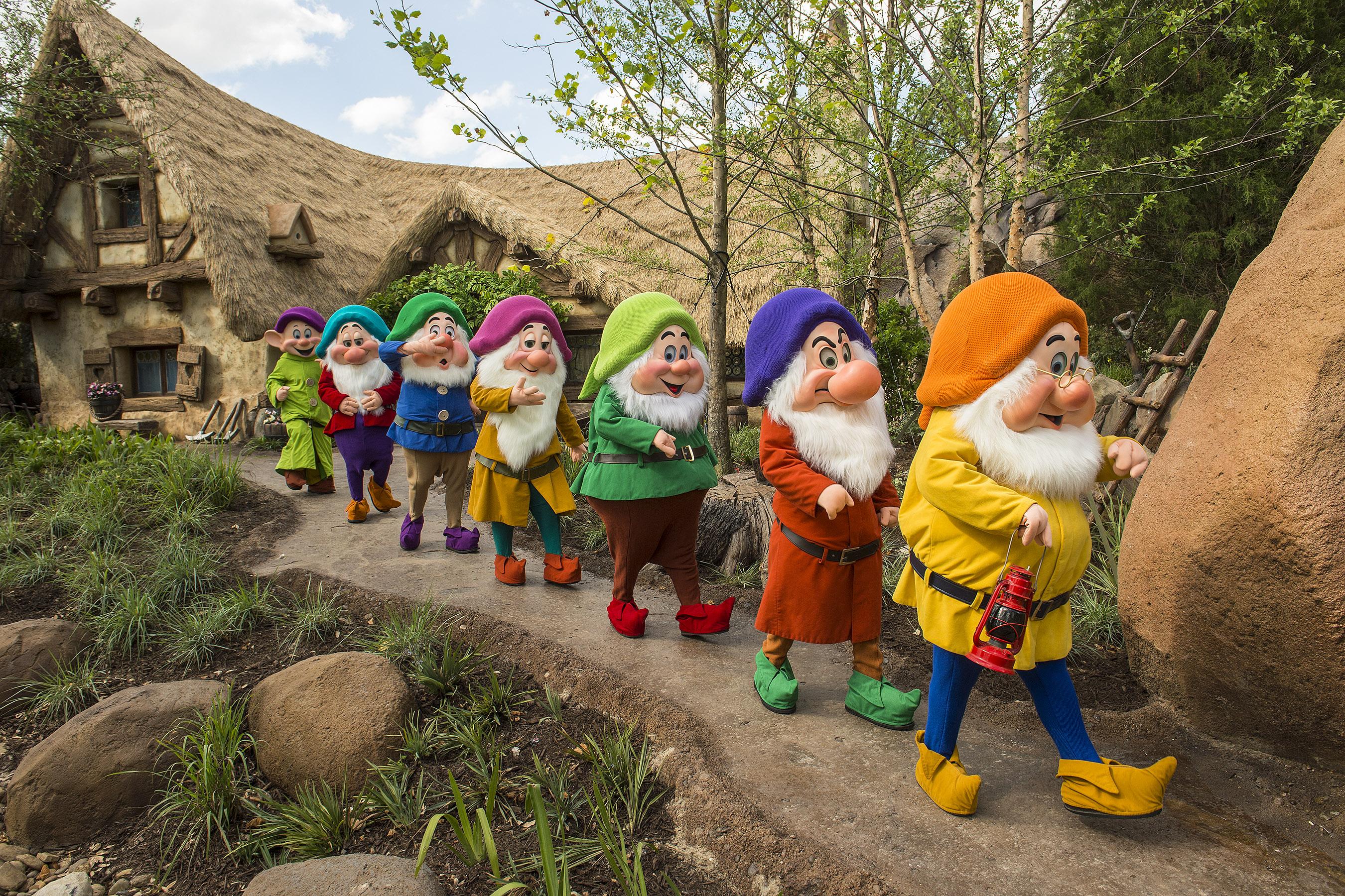 Seven dwarfs game tips anime video