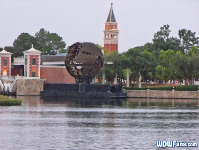 epcot-showcase-globe